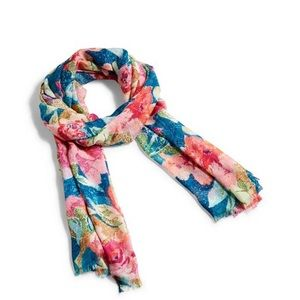 Vera Bradley || Soft Fringe Scarf in Superblooms